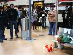 Ticho na nádraží Atocha v Madridu - po teroristických útocích