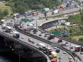 Celkem je v Česku v současnosti registrováno 3,95 milionu vozů.