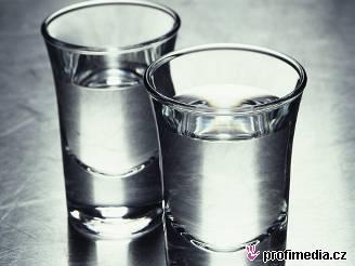 V Česku se ročně průměrně vypije 10,2 litru čistého alkoholu na osobu.