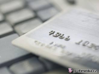 embosovaná kreditní karta
