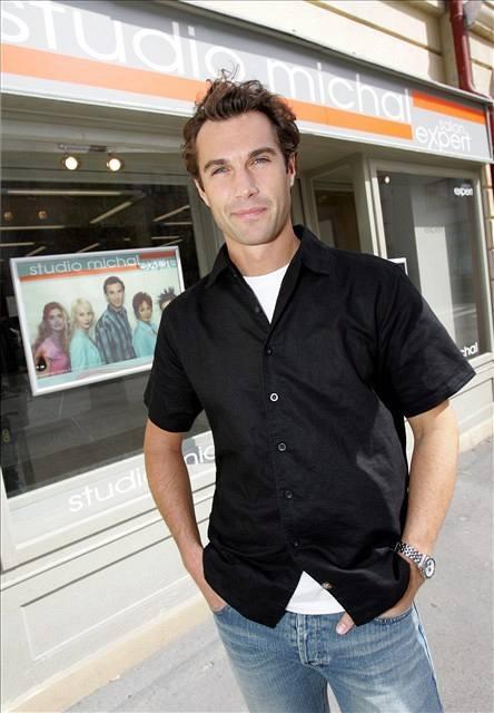 Petr Falc hraje v seriálu Ulice postavu Michala