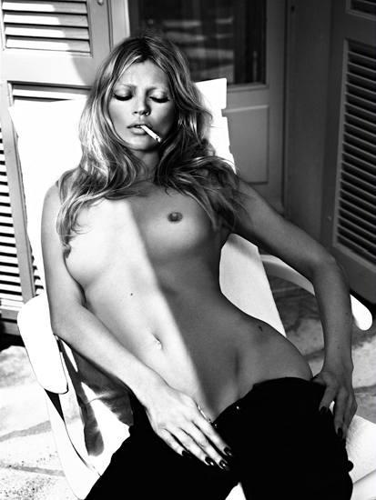 Modelka Kate Mossová v kalendáři Pirelli 2006.