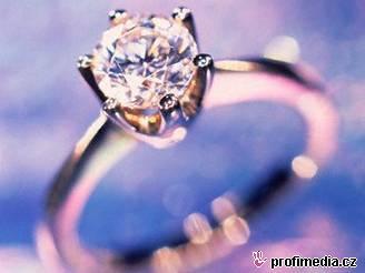 Diamantový prsten - ilustrační foto