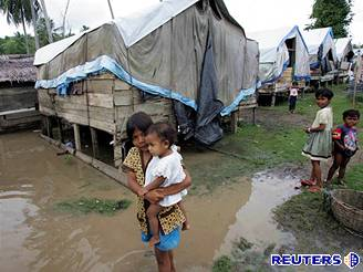 Rok po tsunami v Acehu