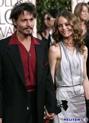 Kliknutím zobrazíte větší formát - Johnny Depp s manželkou Vanessou