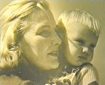 Jiřina Štěpničková se synem Jiřím.