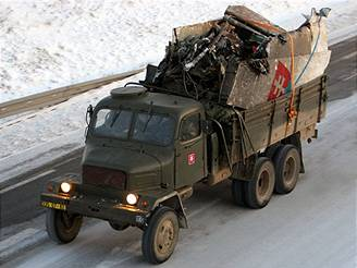 Převoz trosek letadla An-24 na Slovensko.