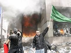 Muslimové zapálili dánskou ambasádu
