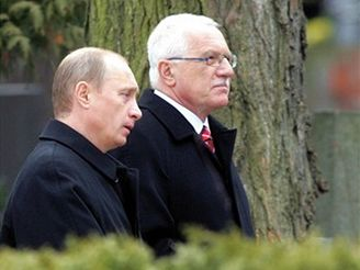 Prezident Vladimir Putin uctil památku padlých ruských vojáků