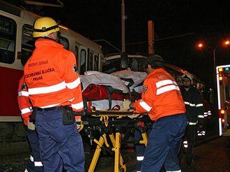 Tramvaje se srazily v pražské Černokostelecké ulici