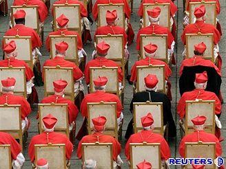 Papež Benedikt XVI. jmenoval nové kardinály