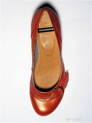 Kliknutím zobrazíte větší formát - Oranžové balerinky s přezkou