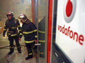 Požár prodejny Vodafone v pražském obchodním centru Nový Smíchov