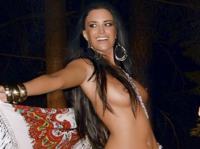 Gábina Party�ová pózovala nahá pro �ervencové �íslo Playboye