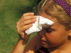V horku hrozí nebezpečí hlavně dětem a seniorům.