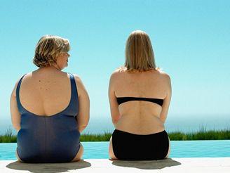 Lidé, kterým se tuk ukládá v oblasti pasu a břicha, jsou více ohroženi obezitou.