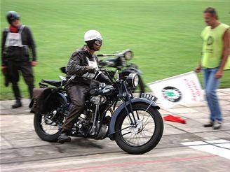 Závod historických motorek v Plzni