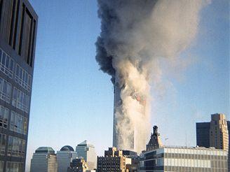 Nové záběry teroristických útoků na Světové obchodní centrum v New Yorku
