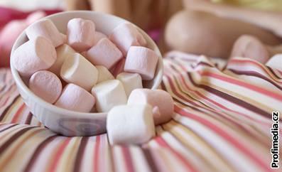 Pěnová cukrovinka marshmallow