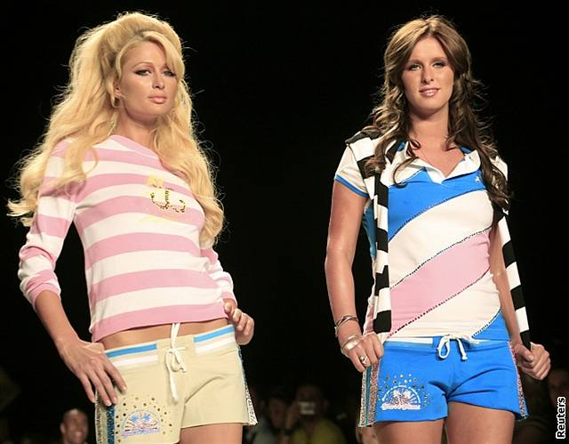 Týden módy v New Yorku - Paris Hiltonová se sestrou Nicky jako modelky na přehlídce módního domu Heatherette