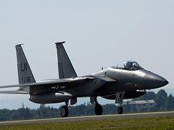 Americké stíhačky F-15 v Ostravě.
