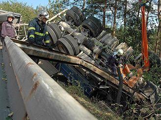 Havárie náklaďáku
