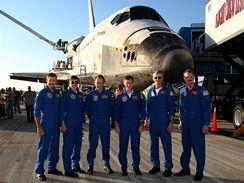 Šestičlenná posádka raketoplánu Atlantis