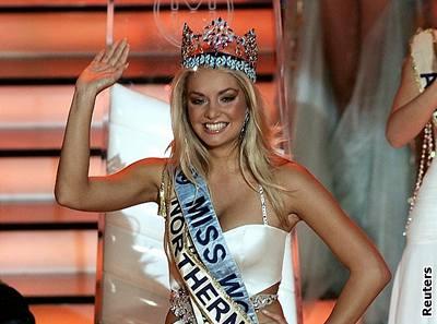 Kliknutím zobrazíte větší formát - Korunku Miss World získala 30. září ve Varšavě česká kráska Taťána Kuchařová