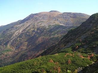 Severní svahy Babí hory modeluje silná mrazová eroze