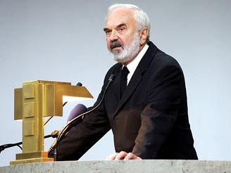 Na prohřbu promluvil rodinný přítel Zdeněk svěrák