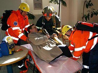 Cvičení hasičů v Klementinu
