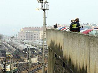 Sebevrah u hlavního nádraží v Praze