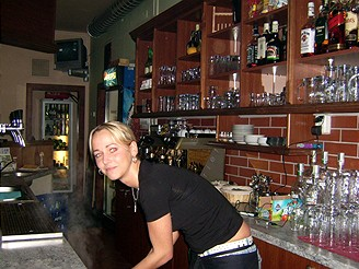 Maruška - barmanka v Tachově