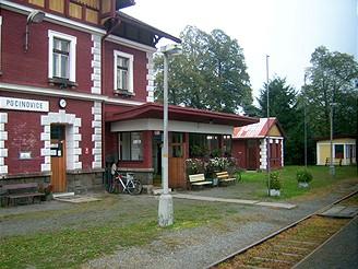 Úhledné nádraží v Pocinovicích