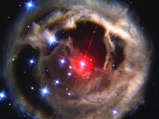Světelné ozvěny ze supergigantické červené hvězdy V838 Monocerotis - prosinec 2002