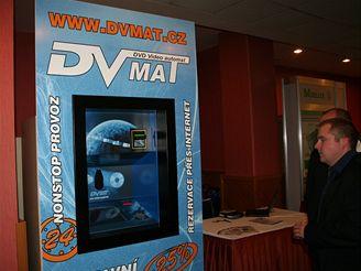 DVD MAT - zvenku