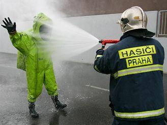 Likvidace úniku čpavku ze stadionu v Sámově ulici
