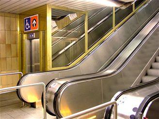 Vltavská - šikmý výtah.