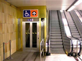 Vltavská - šikmý výtah-2