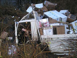 Nehoda kamionu s elektronikou