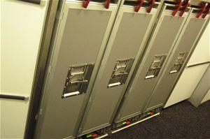 Dále zde najdete kontejnery na polotovary, které  se vkuchyňském koutku připraví kservírovaní