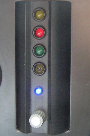 Na modernizovaných, koridorových úsecích  strojvedoucí využívá služeb moderního zabezpečovacího zařízení LS 90 a vidí proto z okna aktuální návěstidlo.