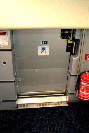Technické zázemí tvoří např. tato úpravna vody, která dezinfikuje vodu pomocí UV záření