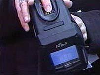 Mobilní čtečka otisků prstů pro anglickou policii