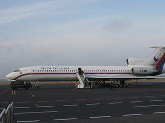 letadlo TU 154 po přistání na Ruzyni
