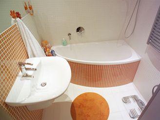 Koupelna v panelákovém bytě