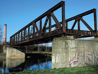 Ostrava, železniční most přes Ostravici
