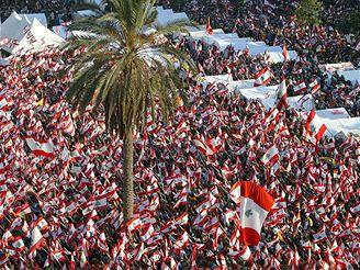 Statisícové davy protestantů v libanonském Bejrútu