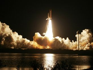Start raketoplánu Discovery