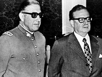 Augusto Pinochet se Salvadorem Allendem
